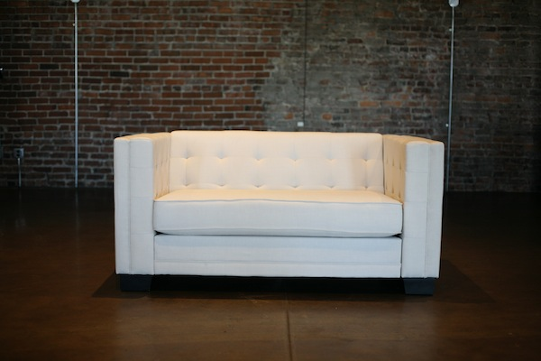 Santorini Loveseat, White Tufted Loveseat, Southern Events Nashville (3)