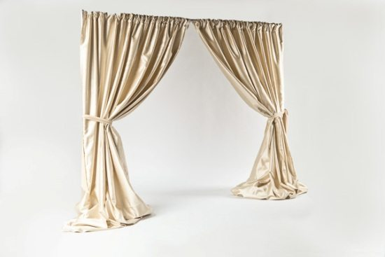 gold pipe and drape photo station