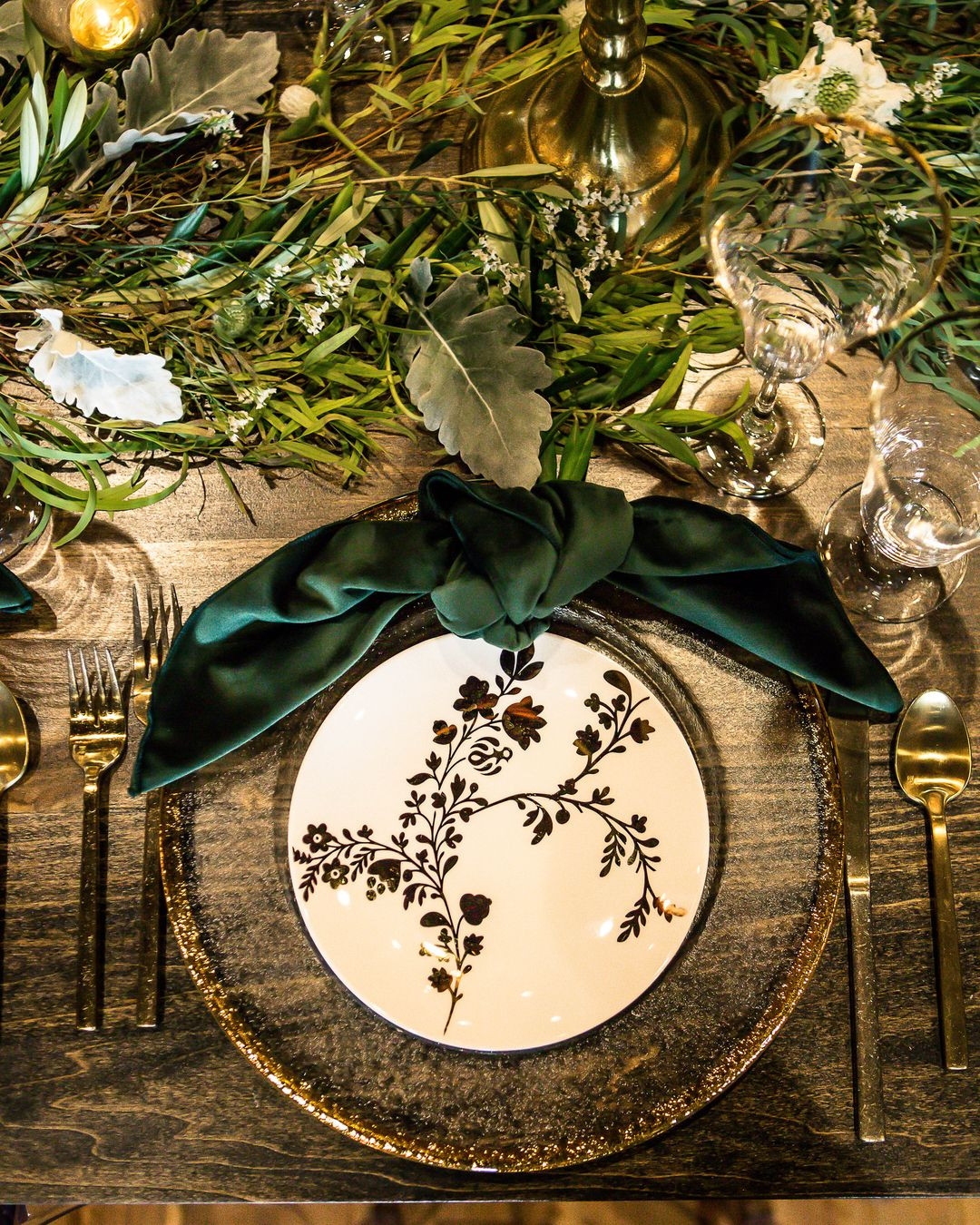 emerald and green tablescape