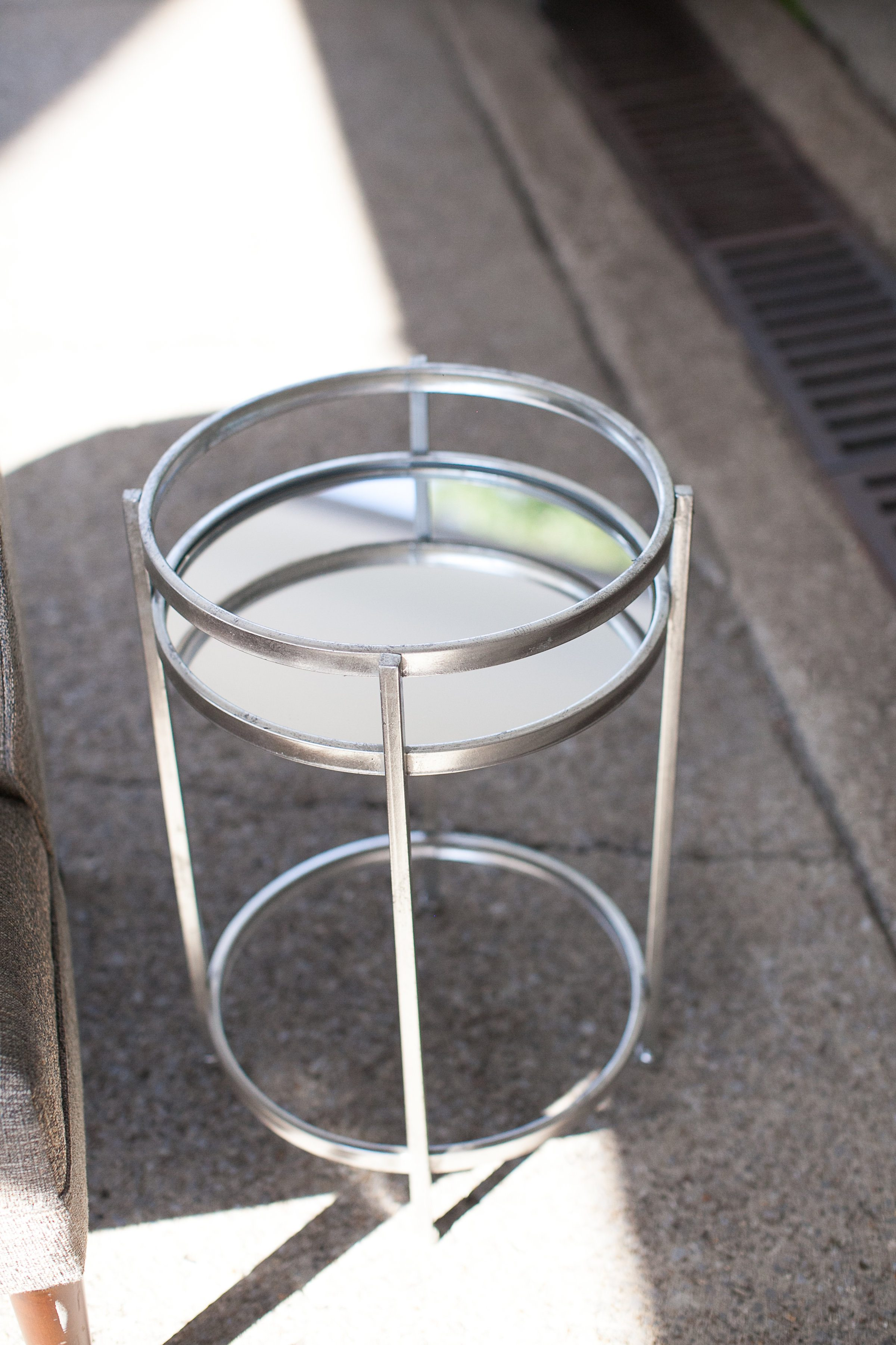 Phindy Studios, echo side table