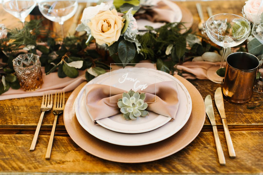 warm toned neutral tablescape