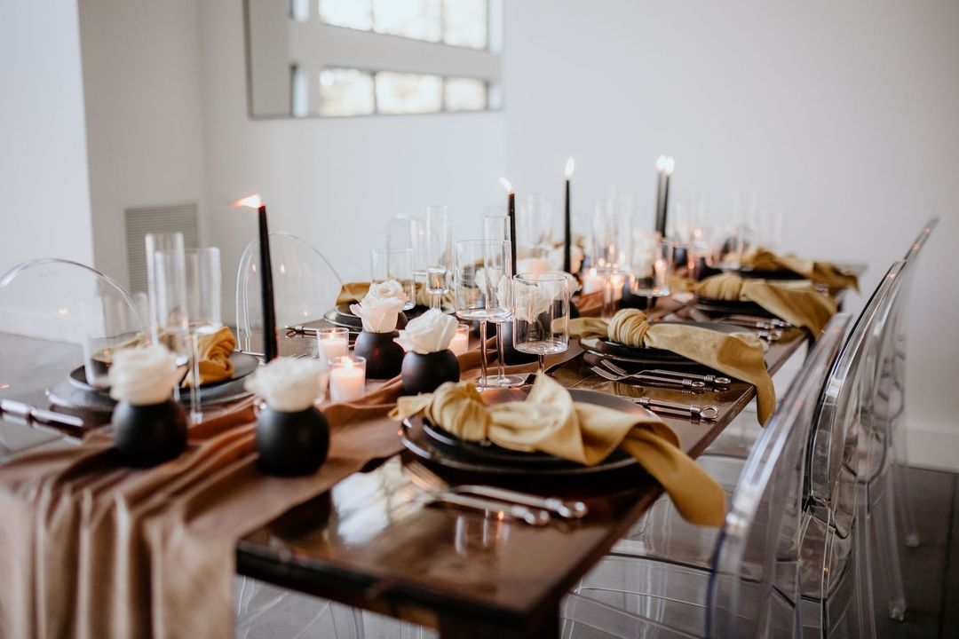 neutral white and brown boho tablescape