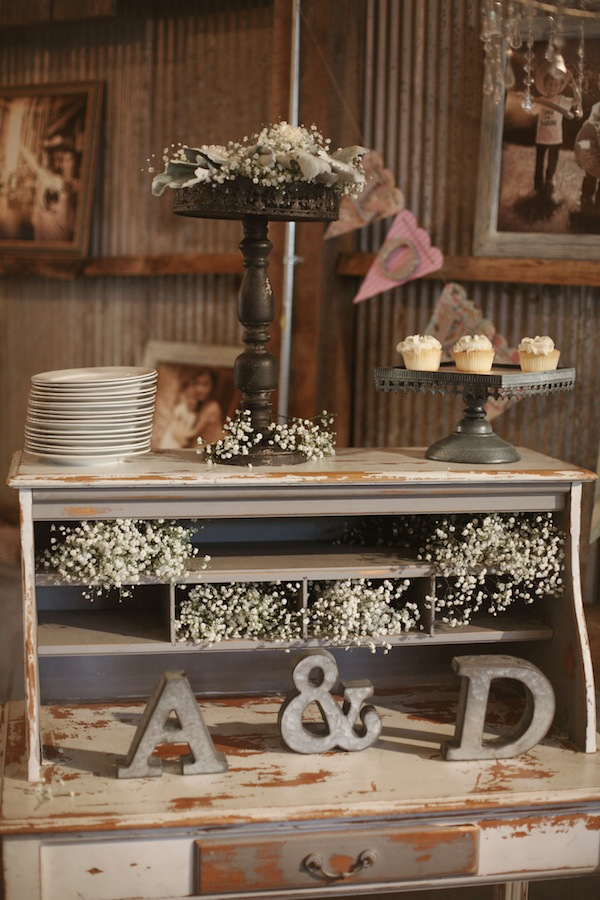 Southern Events, Shabby Chic Barn Wedding Nashvill, Photographix (22)