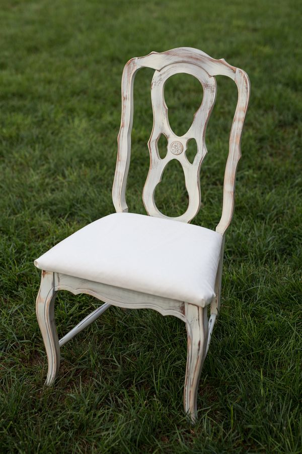 Annabelle Chair, Vintage Ivory Chair with neutral cushion, Southern Events Nashville_600_900