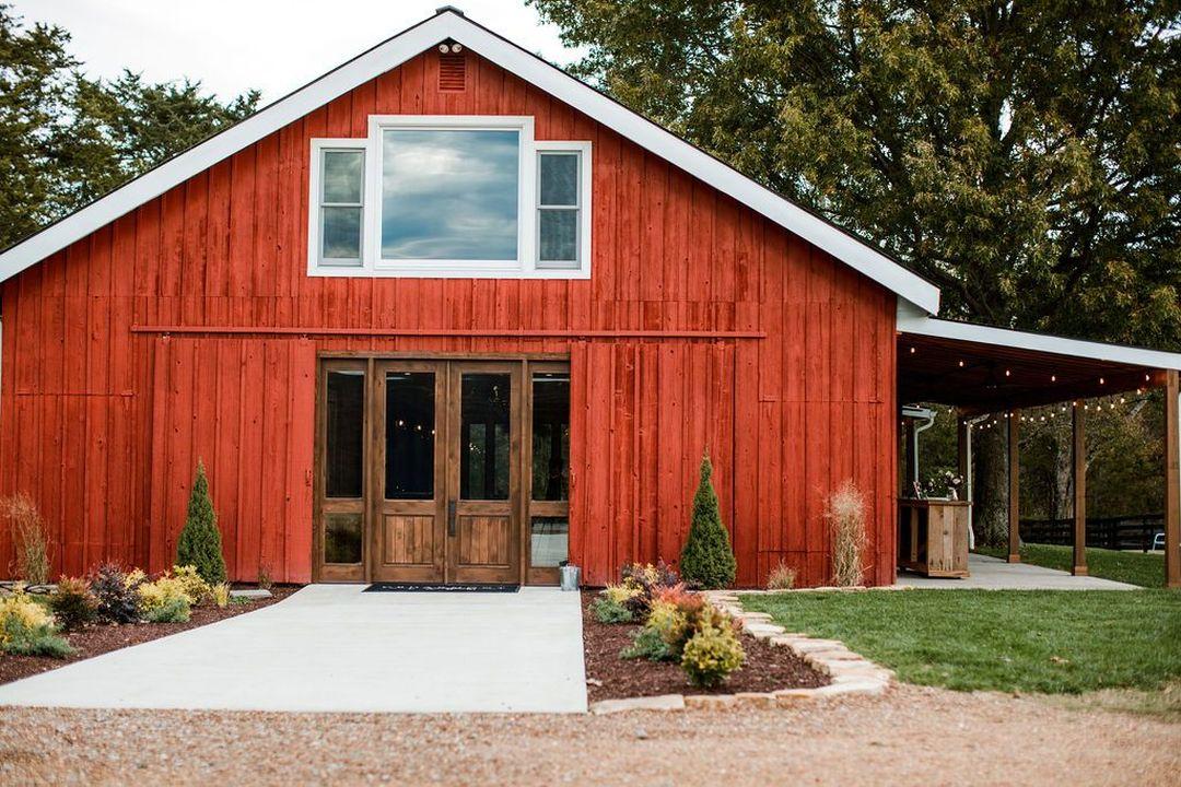 Cedarmont farms wedding venue front entrance
