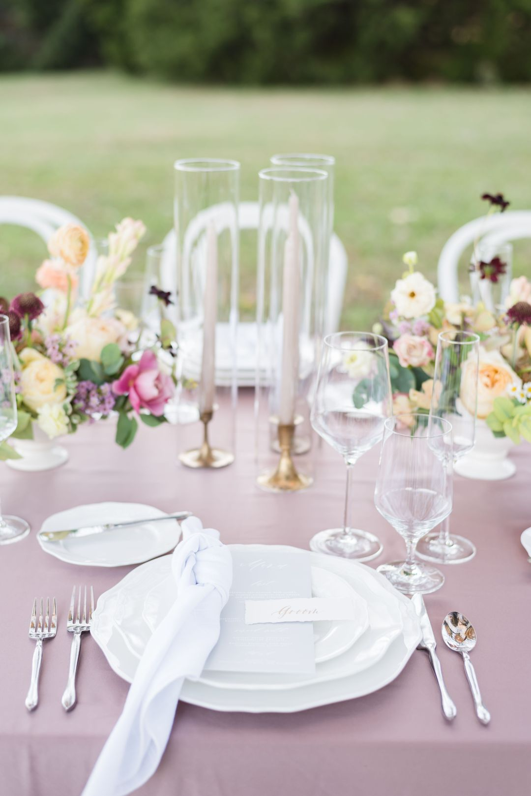 purple and white outdoor summer tablescape,