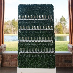 boxwood champagne wall at Tennessee outdoor event